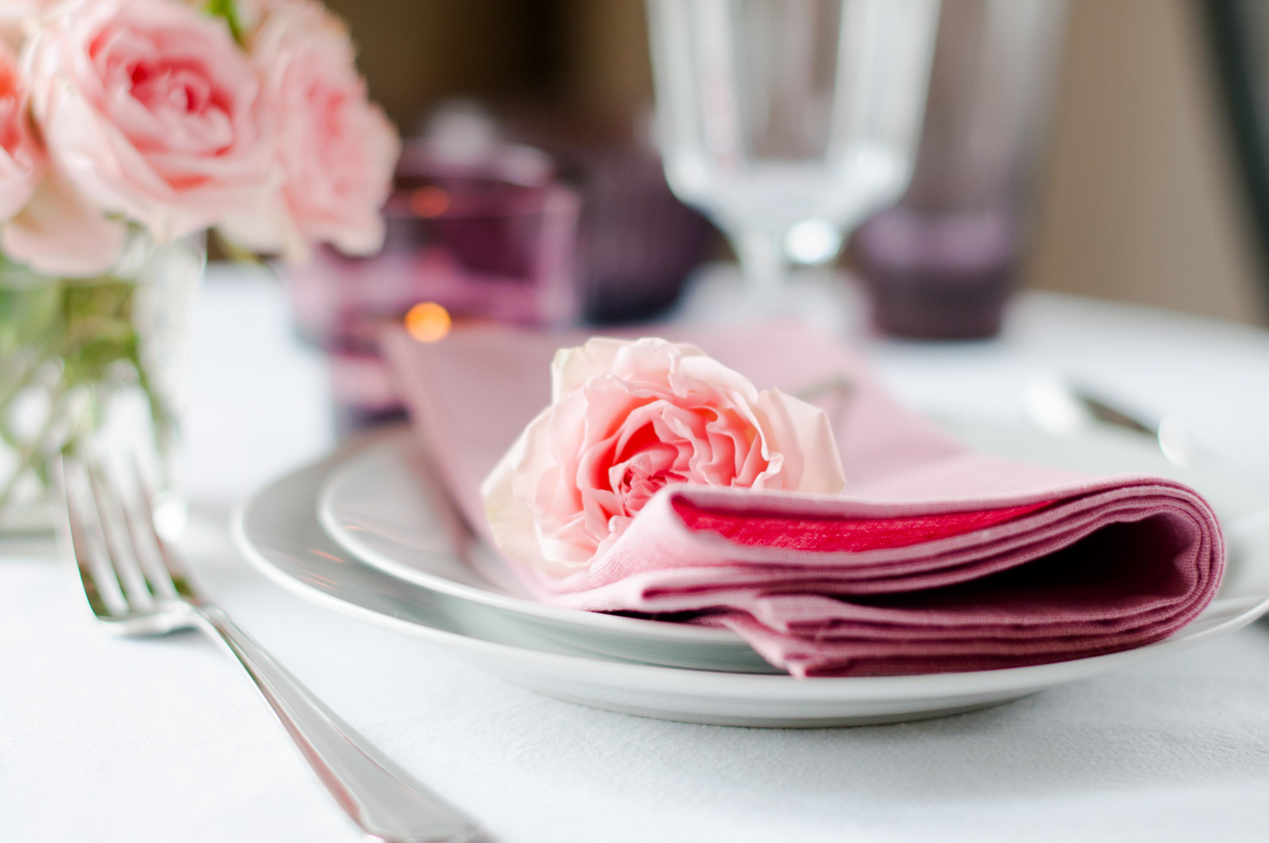 Teller Besteck Glaser Den Tisch Richtig Decken Kuche Co