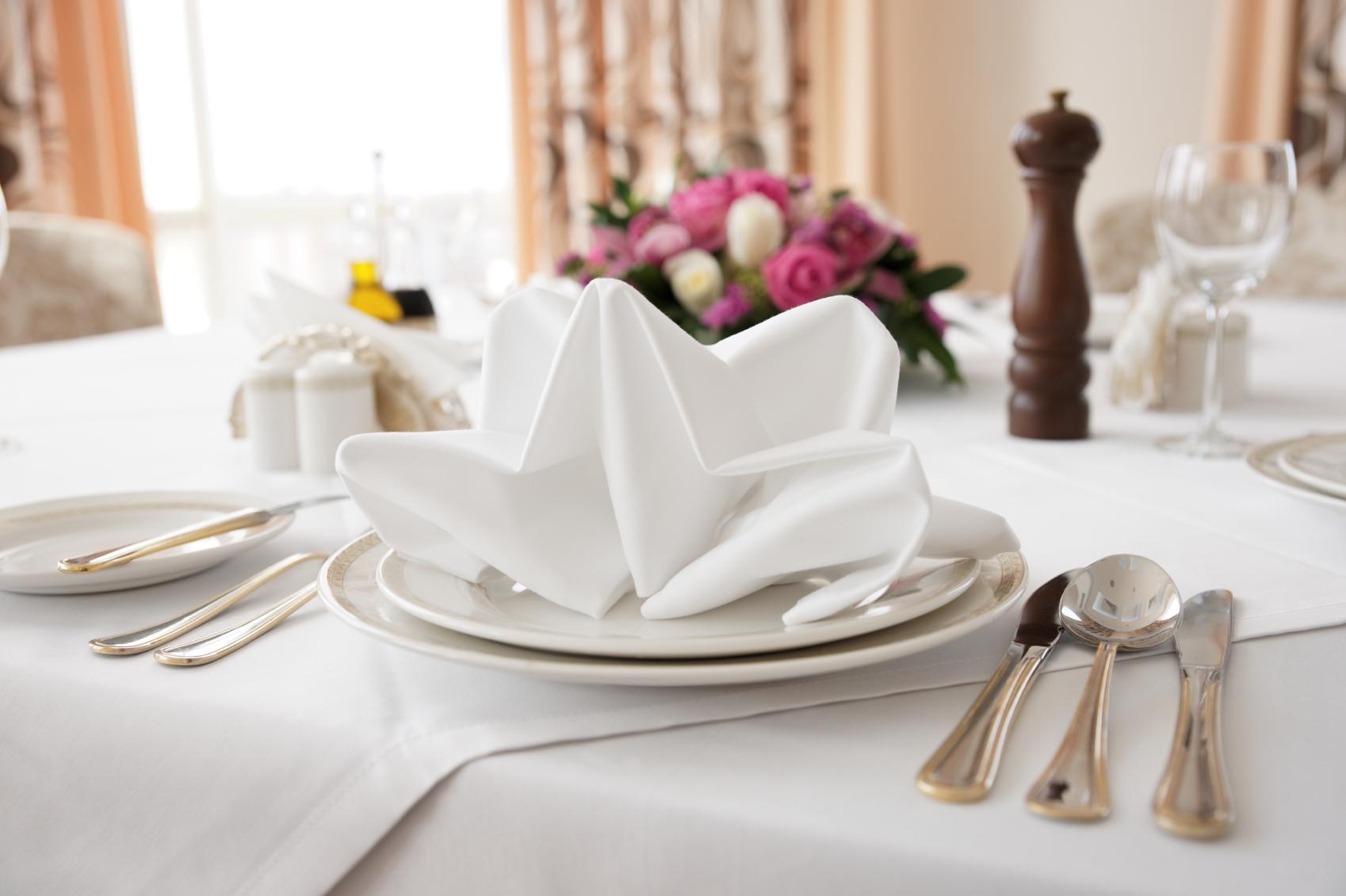 Teller Besteck Gläser Den Tisch Richtig Decken Kücheco