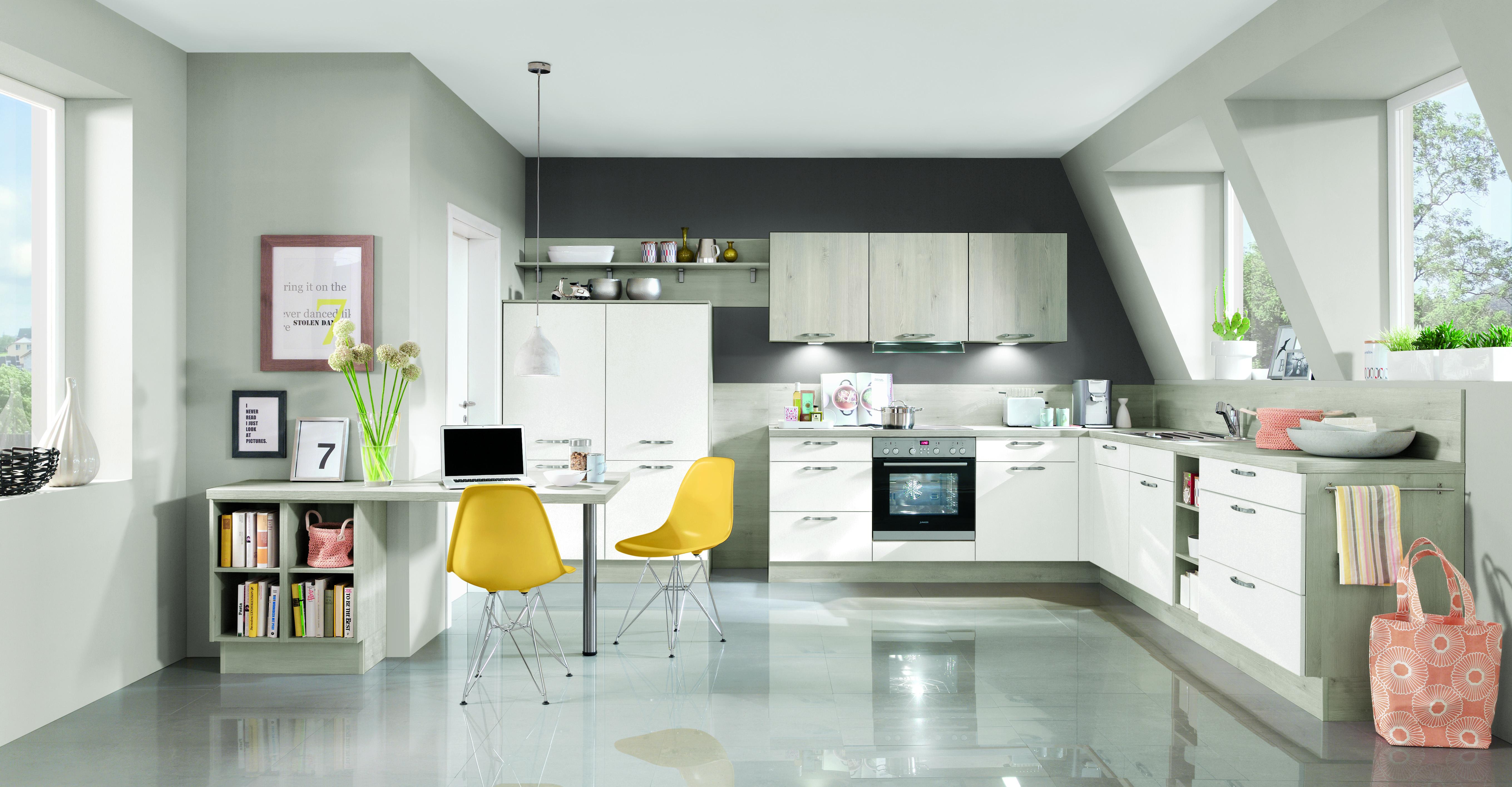 Küche mit Dachschräge planen: Tipps für Einbauküchen im Dachgeschoss ...